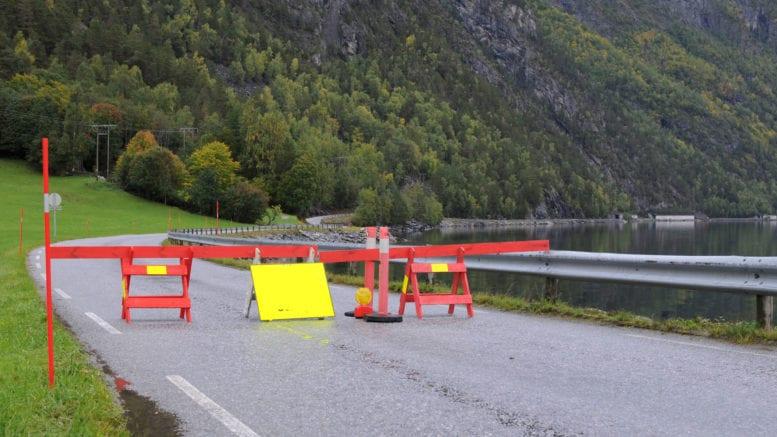 Det er ingen fysisk bom som vert sett opp på kommunegrensa, men ein form for bom er dei nye karantenereglane til Fjord likevel. Arkivfoto,