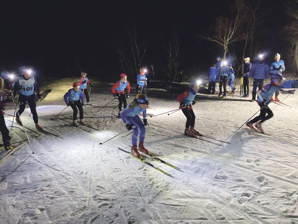 Storfjordcup med lykt på hovudet på Høghjellsmyrane 28. januar. Foto: Jan Ole Fuglem